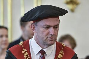 rektor Vysokej školy DTI v Dubnici nad Váhom Tomáš Lengyelfalusy