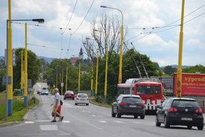 Frekventovaná ulica Solivarská prejde rekonštrukciou. Okrem rozšírenia cesty majú pribudnú aj chodníky a cyklistické komunikácie.