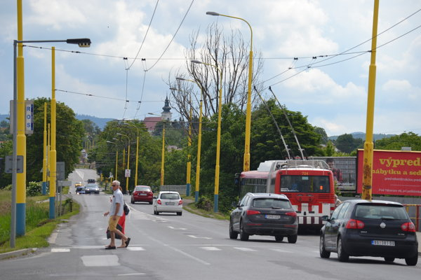 Frekventovaná Solivarská prejde rekonštrukciou. Okrem rozšírenia cesty majú pribudnúť aj chodníky a cyklistické komunikácie.