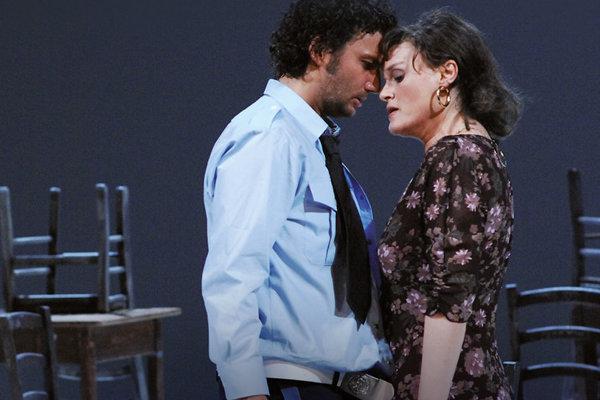 Záber z opery Carmen.