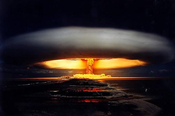 Francúzsky test jadrovej zbrane pod označením Licorne na atole Fangataufa, ktorý patrí k Francúzskej Polynézii.
