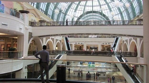 Nákupné centrá sa v Dubaji predbiehajú v luxuse a atraktivite.