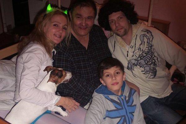 Pavol Daniel so svojou najbližšou rodinou.