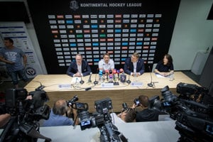 HC Slovan Bratislava na tlačovej konferencii predstavil nového trénera aj prvé posily.