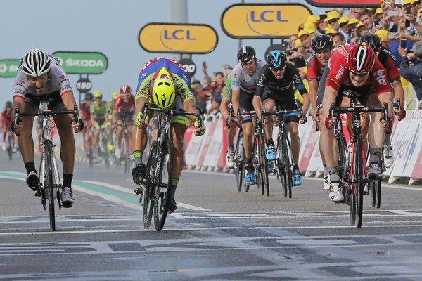 Peter Sagan počas špurtu v druhej etape.