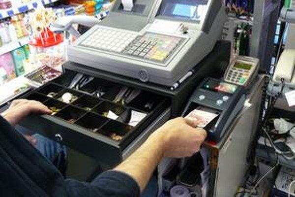 Veľkým nedostatkom bol chýbajúci pokladničný blok.