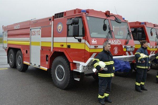 Nové hasičské vozidlá pomôžu hasičom ku kvalitnejším zásahom.