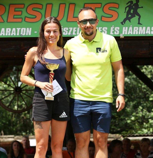 Lucia Janečková a Ronald Kontár, šéf mladého bežeckého klubu RoniRun Club.