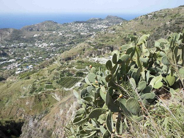 Pohľad z vrchu Epomeo, Ischia.