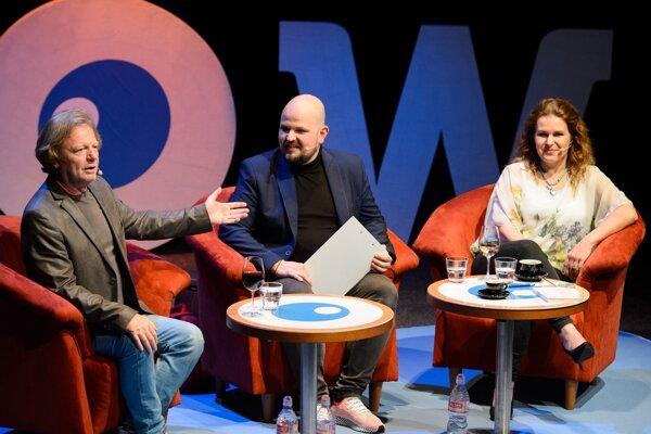 Aj v aprílovom programe s hosťami Marošom Kramárom a Bibou Ondrejkovou bolo dopopuku.