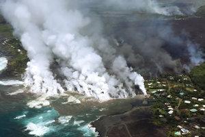 Láva z havajskej sopky Kilauea zničila stovky ďalších domov.