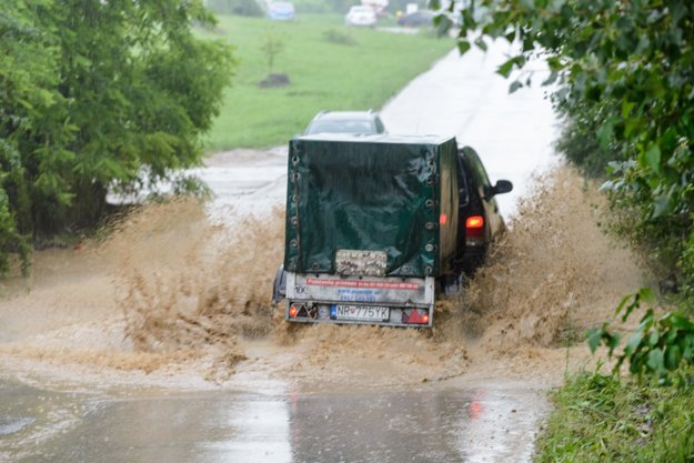 Zaplavená Ulica Jakuba Haška.