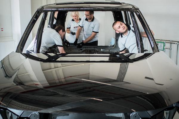 V Nitre sa zatiaľ bude vyrábať Land Rover Discovery.