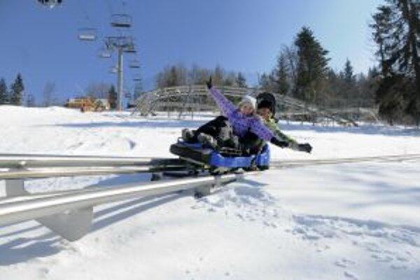 Pre milovníkov zimných športov sa čoskoro začne lyžovačka. Na svoje si prídu aj tí, ktorí uprednostňujú adrenalín. Napr. na Veľkej Rači je im k dispoźícii bobová dráha.