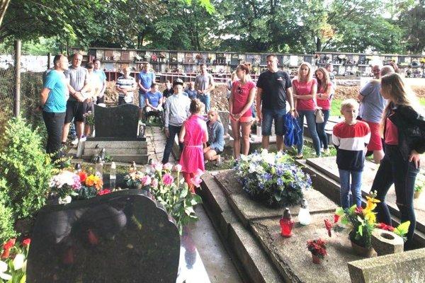 Podujatie symbolicky začalo spomienkou na Jaroslava Tarabu na martinskom cintoríne.