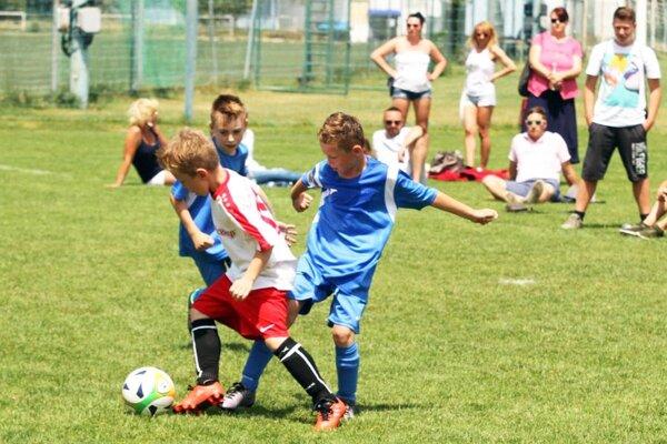 Počas troch dní sa na finálových turnajoch predstaví 35 družstiev mladých futbalistov.