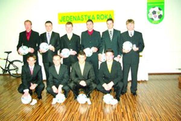 Jedenástka roka 2011 Oblastného futbalového zväzu Žilina. Na snímke chýba Tomáš Kopas z Divinky.