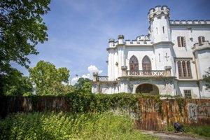 Kaštieľ v Rusovciach čaká na rekonštrukciu desaťročia.