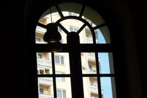Pohľad z levickej synagógy, ktorá je využívaná na kultúrne a spoločenské podujatia.