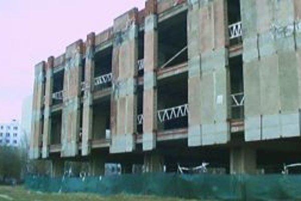 Rozostavaná budova na Solinkách.