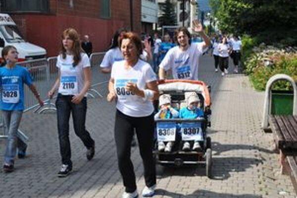 Ľudia bežali, aby podporili boj s rakovinou.