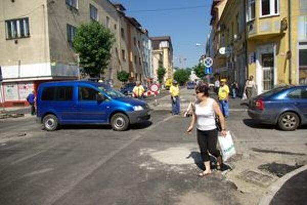 Križovatka ulíc Daniela Dlabača a Milana Rastislava Štefánika.