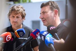 Riaditeľ Kriminálneho úradu finančnej správy Ľudovít Makó a prezident finančnej správy František Imrecze.