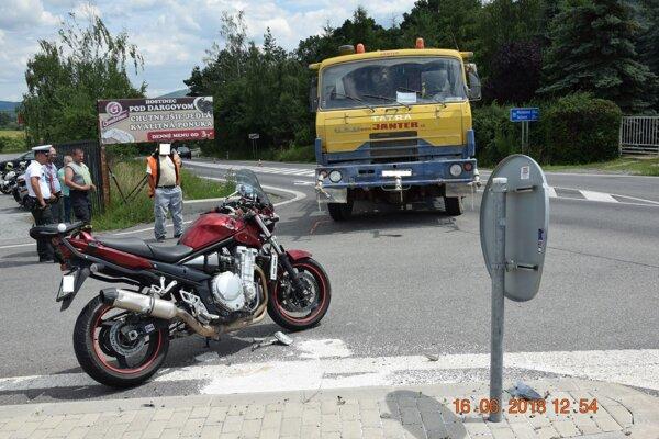 Miesto nehody motorky v katastri obce Ďurďošík (okres Košice-okolie).