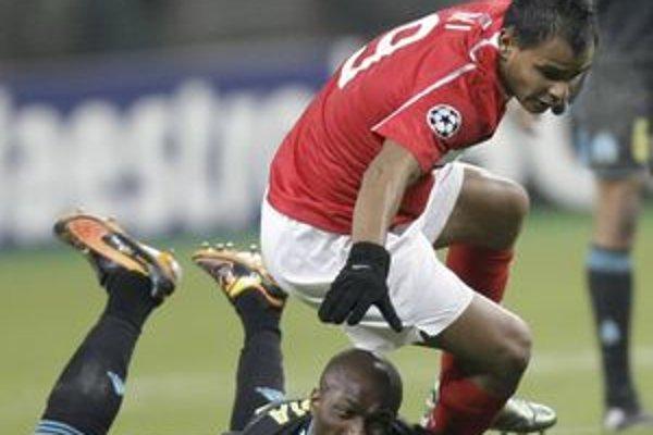 Ari (v červenom) dal Žiline v prvom zápase dva góly.
