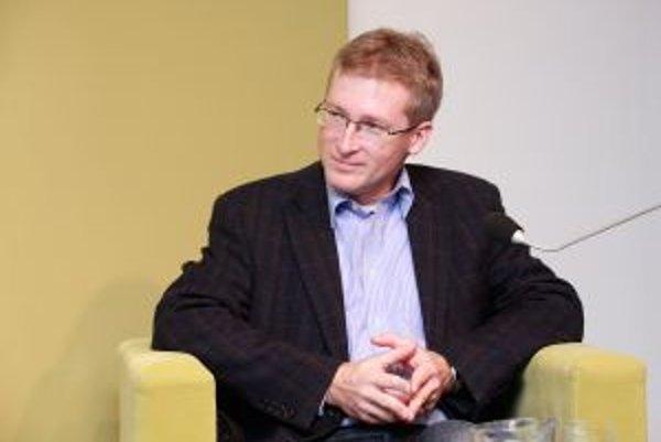 Marek O. Vácha - biológ, kňaz, cestovateľ, spisovateľ, pedagóg v Nadácii POLIS.
