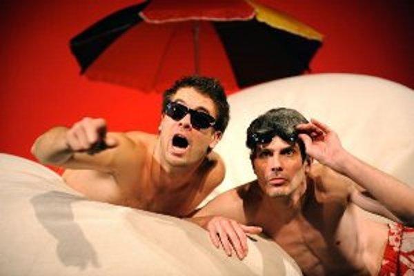 V hlavných úlohách sa predstavia herci Mestského divadla Žilina zľava Ján Dobrík a Boris Zachar.