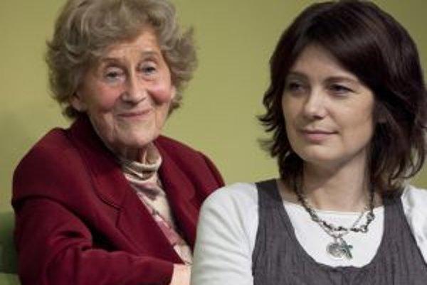 Eva Siracká a Mária Andrašiová boli hosťami Nadácie Polis vo Filozofickej kaviarni.