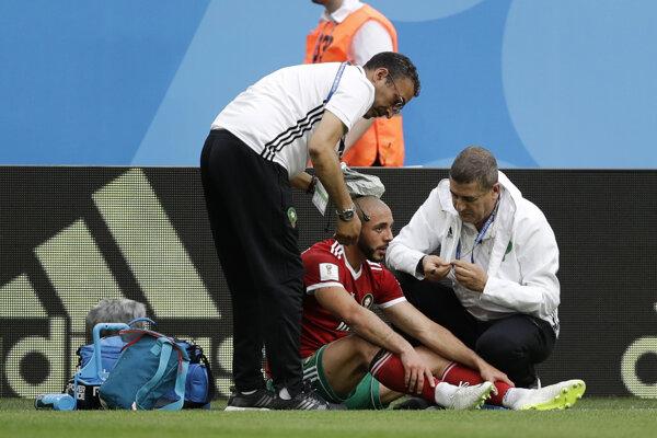 Nordin Amrabat utrpel v úvodnom zápase zranenie hlavy.