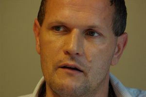 Karol Belaník rázne odmieta špekulácie o začiatku konca žilinského futbalu.