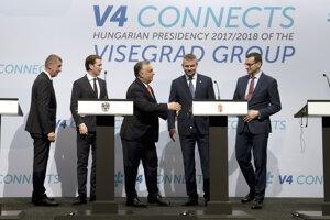 Premiéri V4 s rakúskym kancelárom Kurzom (druhý zľava).