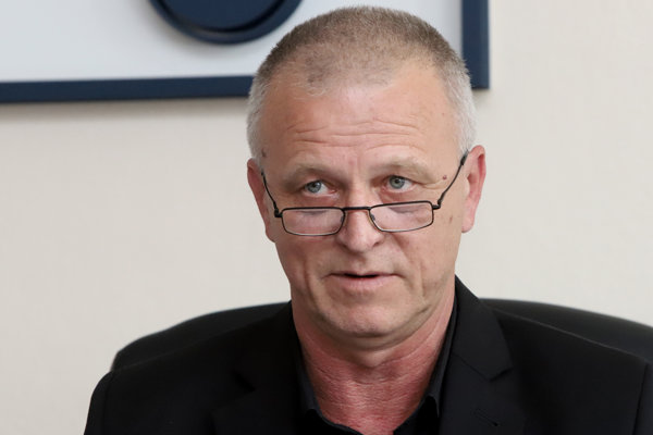 Stanislav Ľupták.