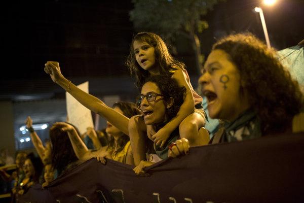 V brazílskom Riu žiadali stovky žien legalizáciu interrupcií
