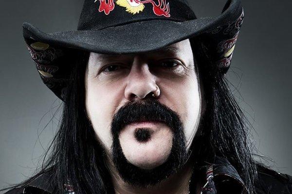 Vinnie Paul založil kapelu Pantera.