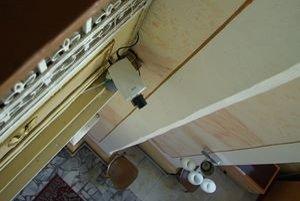 Kamera v kolárovickom kostole ukazuje omše celému svetu.