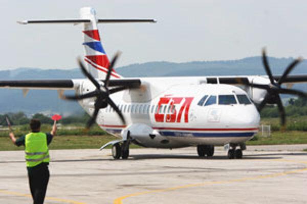 Lietadiel bude zo Žiliny do Prahy lietať menej.