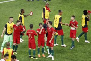 Portugalskí reprezentanti oslavovali po zápase s Iránom postup do osemfinále.