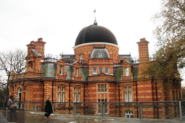 Budova Kráľovského observatória v Greenwichi.