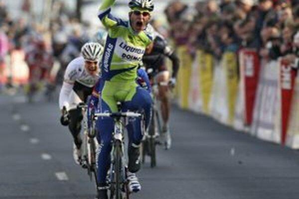 Víťaz 3. etapy pretekov Paríž - NIce, Peter Sagan, sa teší zo svojho premiérového triumfu v pretekoch Pro Tour.