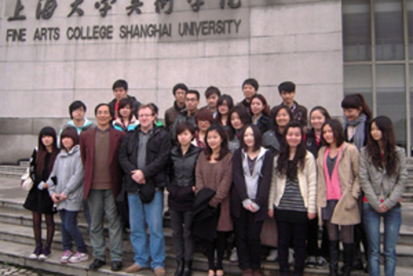 V Šanghaji sa Igor Cvacho stratol aj so študentami na univerzite.