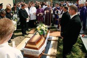 Pavla Šadláka pochovali vedľa baziliky, ako si želal.