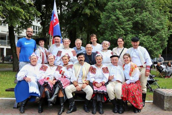 V Poľsku reprezentoval Brezno súbor Mostár.