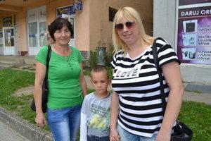 Mária a Lucia (30) a Timotej (7).