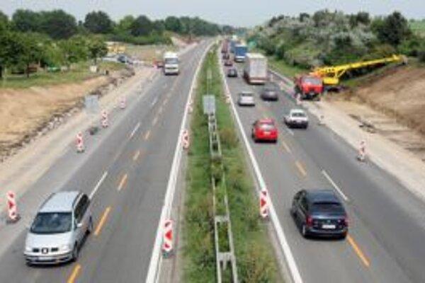 Práce na diaľnici D1 v okolí Žiliny dnes neprebiehajú.