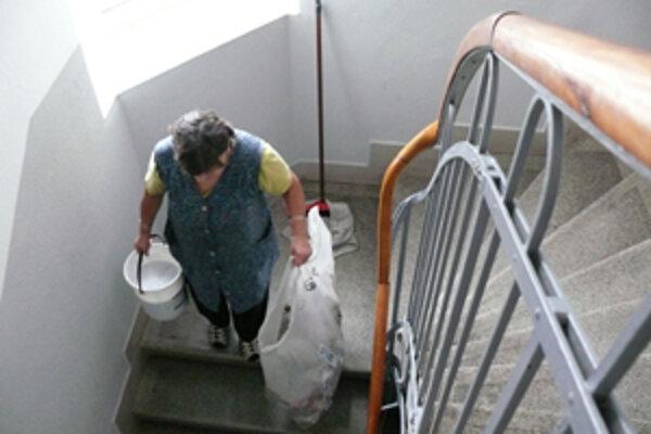 Dodávateľsky prebieha upratovanie žilinskej nemocnice zatiaľ v jej najnáročnejších oddeleniach.
