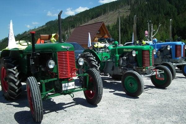 Huty zvládli staré traktory takmer bez problémov.